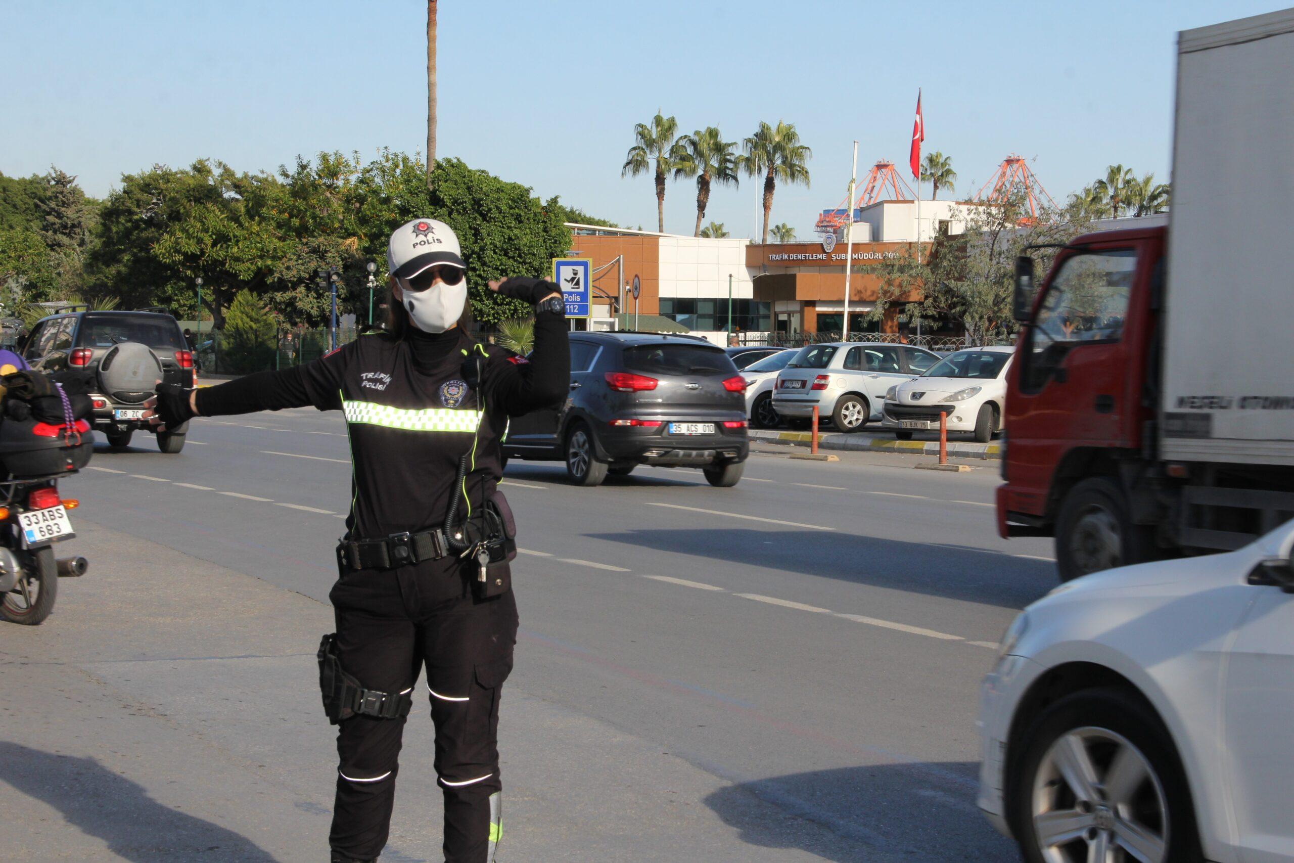 O, Mersin'in tek motorize kadın trafik polisi